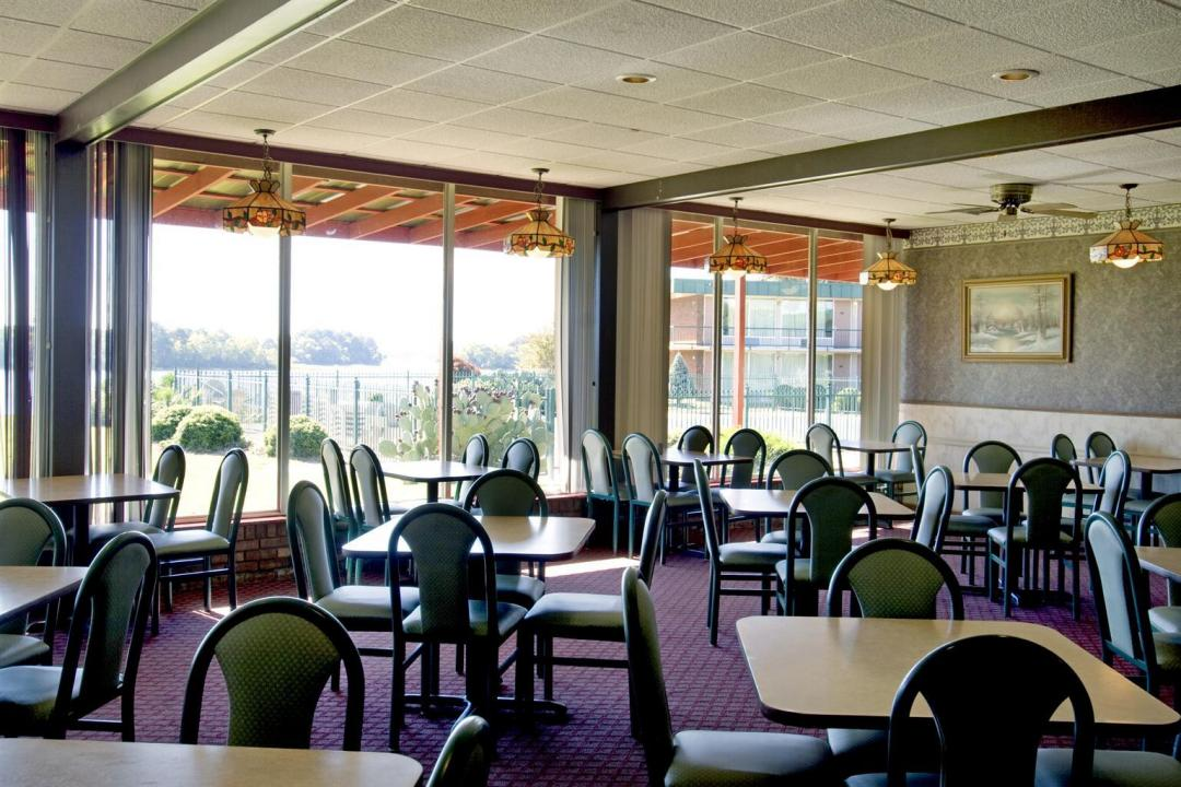 Eat Out At Riverside Restaurants