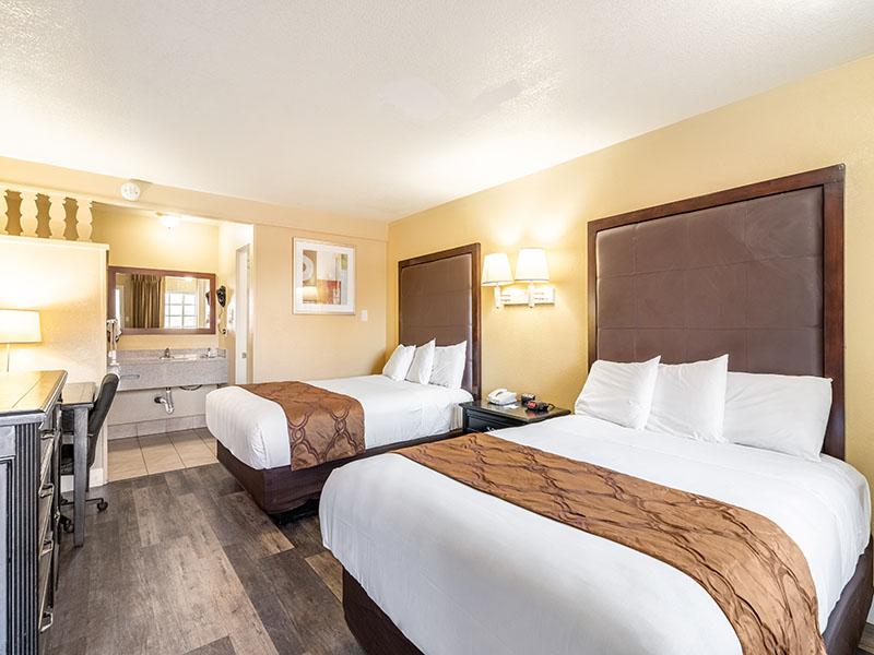 queen double guest room