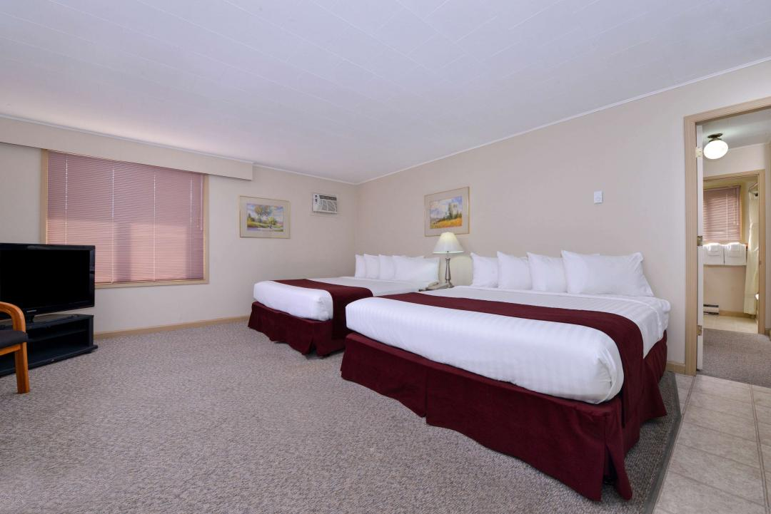 Four King Beds Deluxe Suite