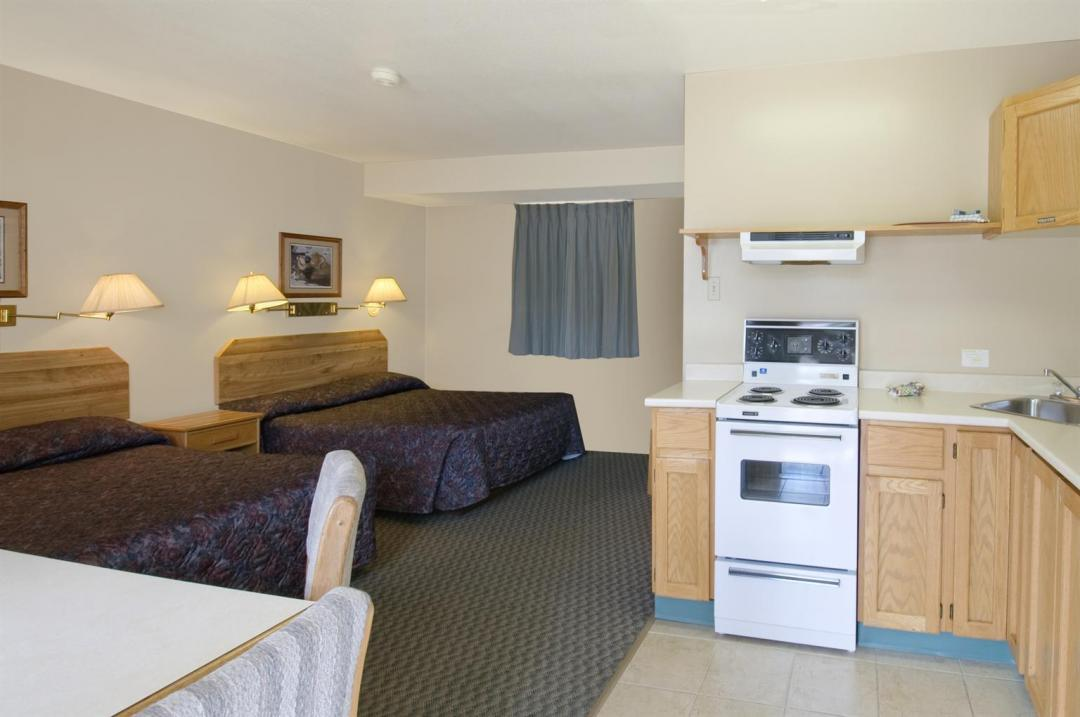 Two Queens Kitchenette Suite