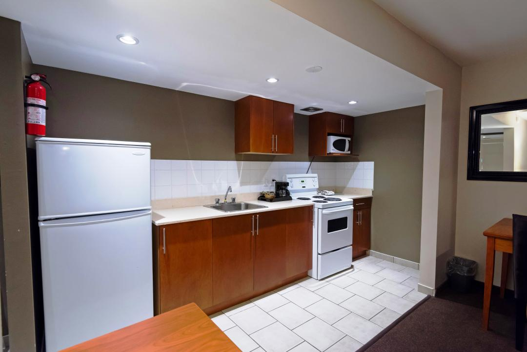 Kitchen Suite and Amenities