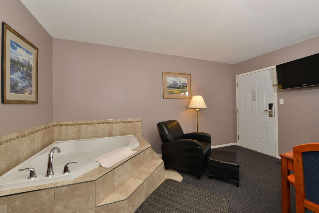One Queen Bed Executive Suite