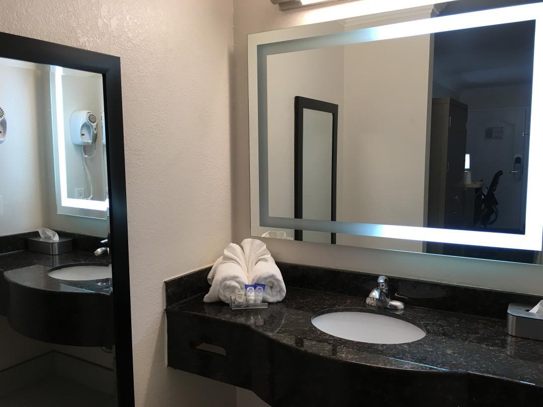 Guest Vanity