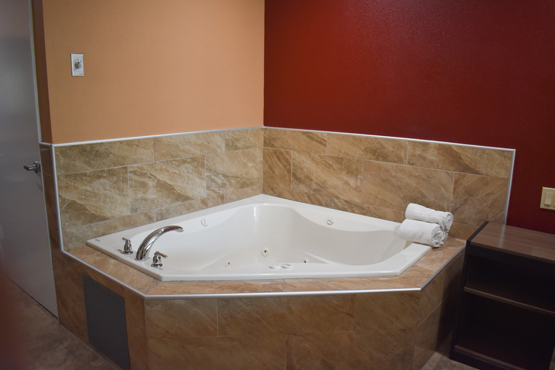 Jetted Tub in Guest Suite