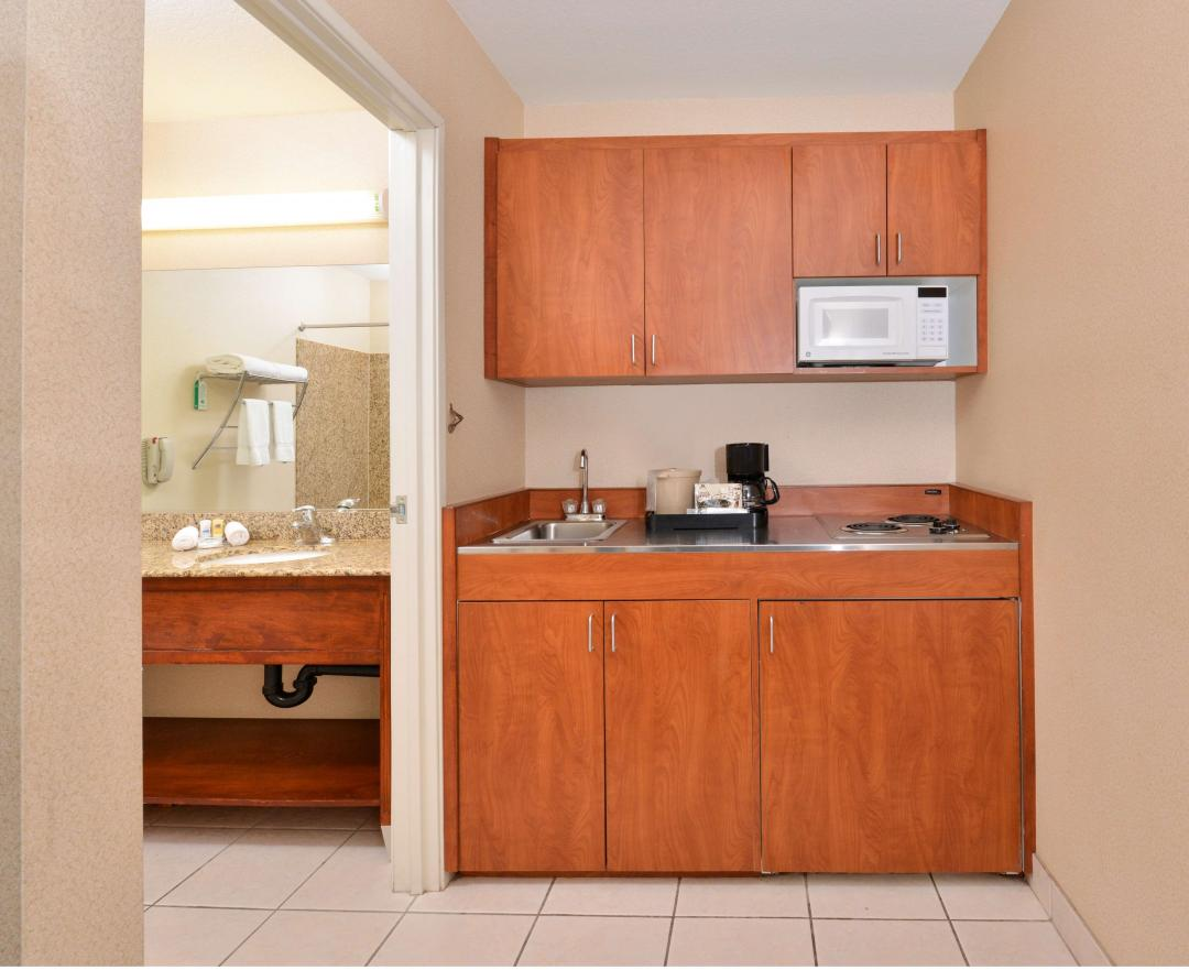 One King Bed Kitchenette