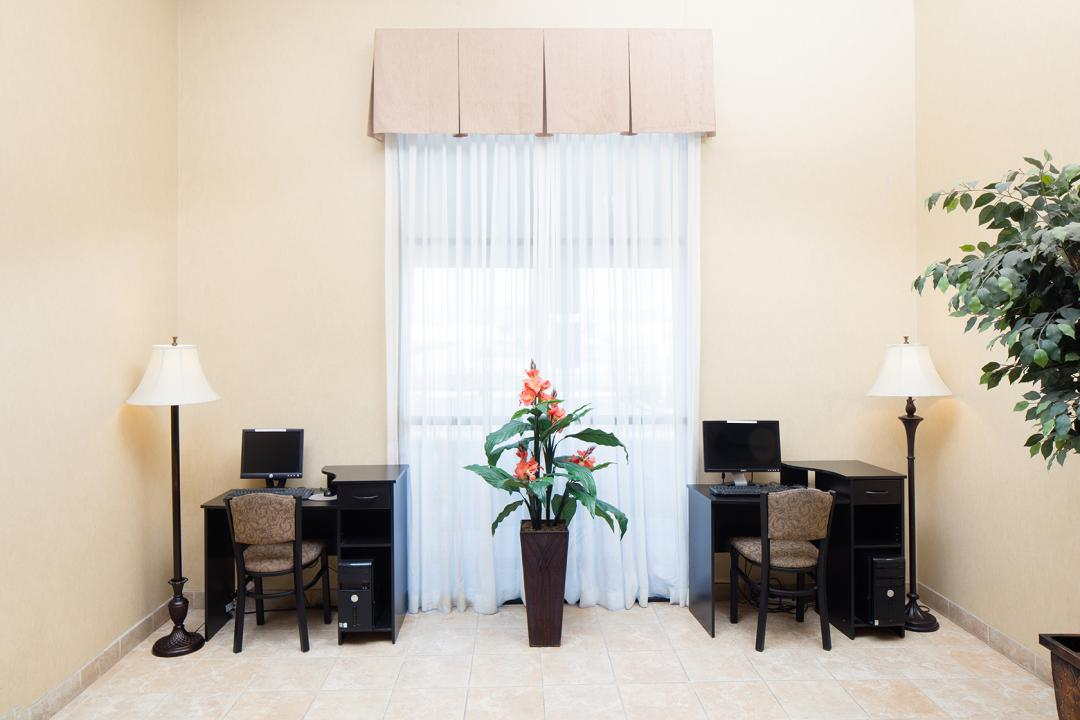 Perris Hotel Business Center
