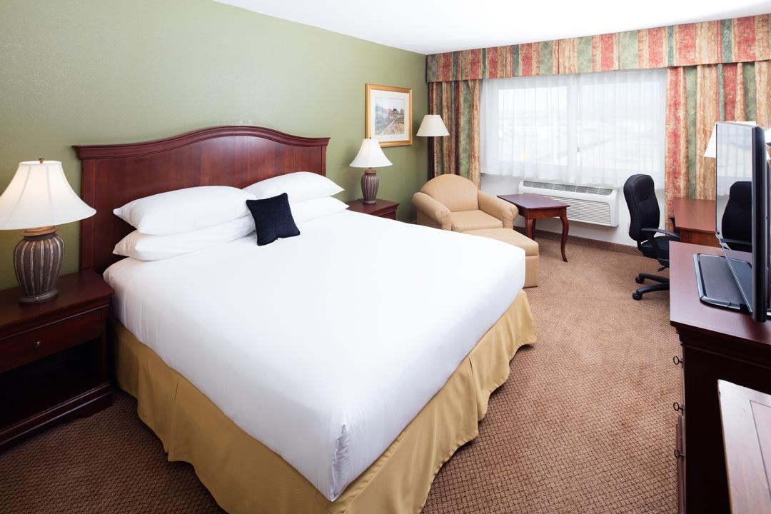 Perris Hotel King Room