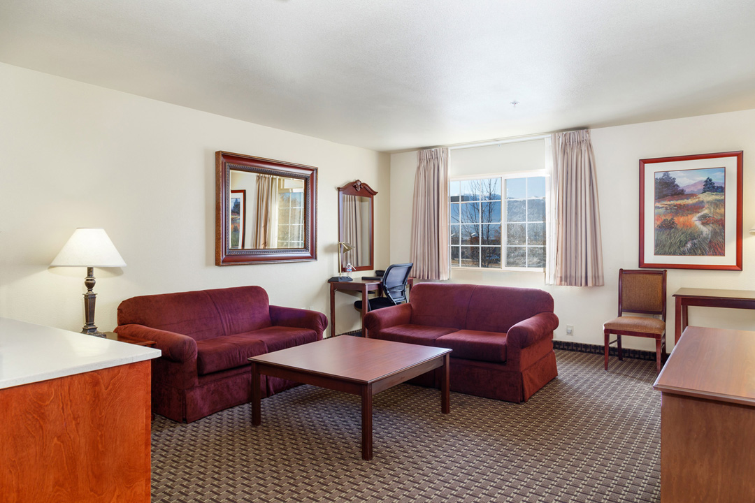Suite with Sitting Area