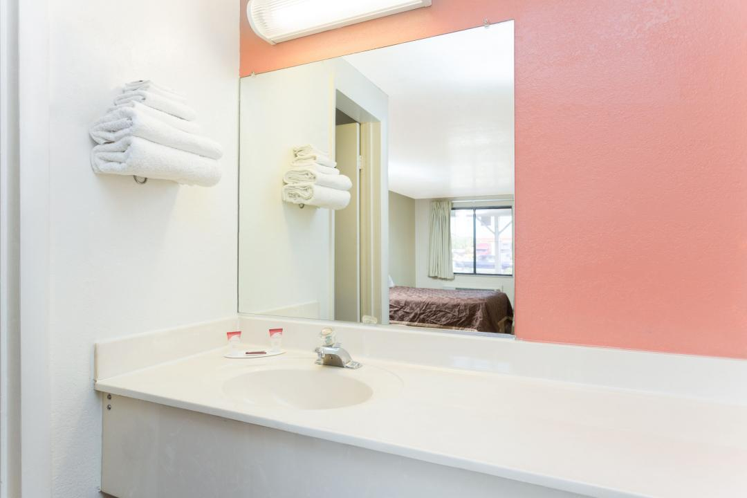Bathrooms supplied with complimentary bath amenities and hairdryer