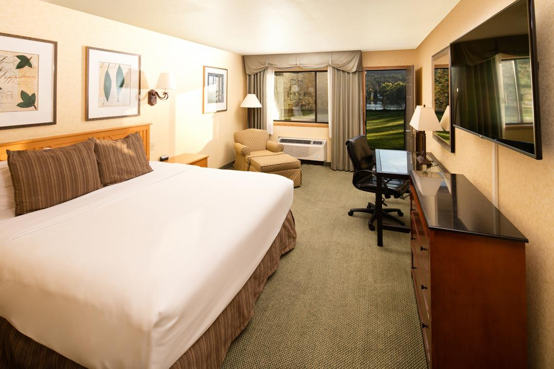 Templin's Hotel King River View Room