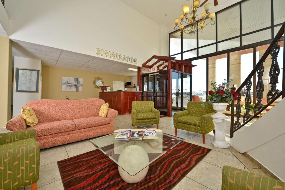 Lobby with spacious seating area