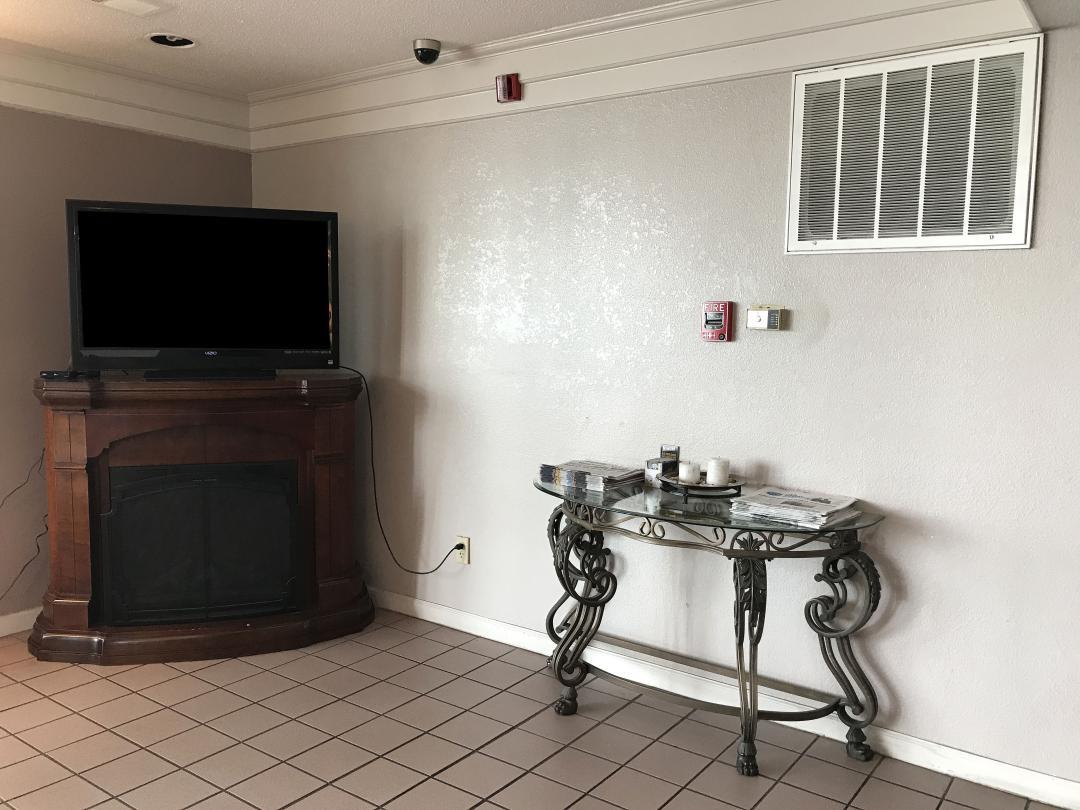 Flat Screen TV in Lobby Area
