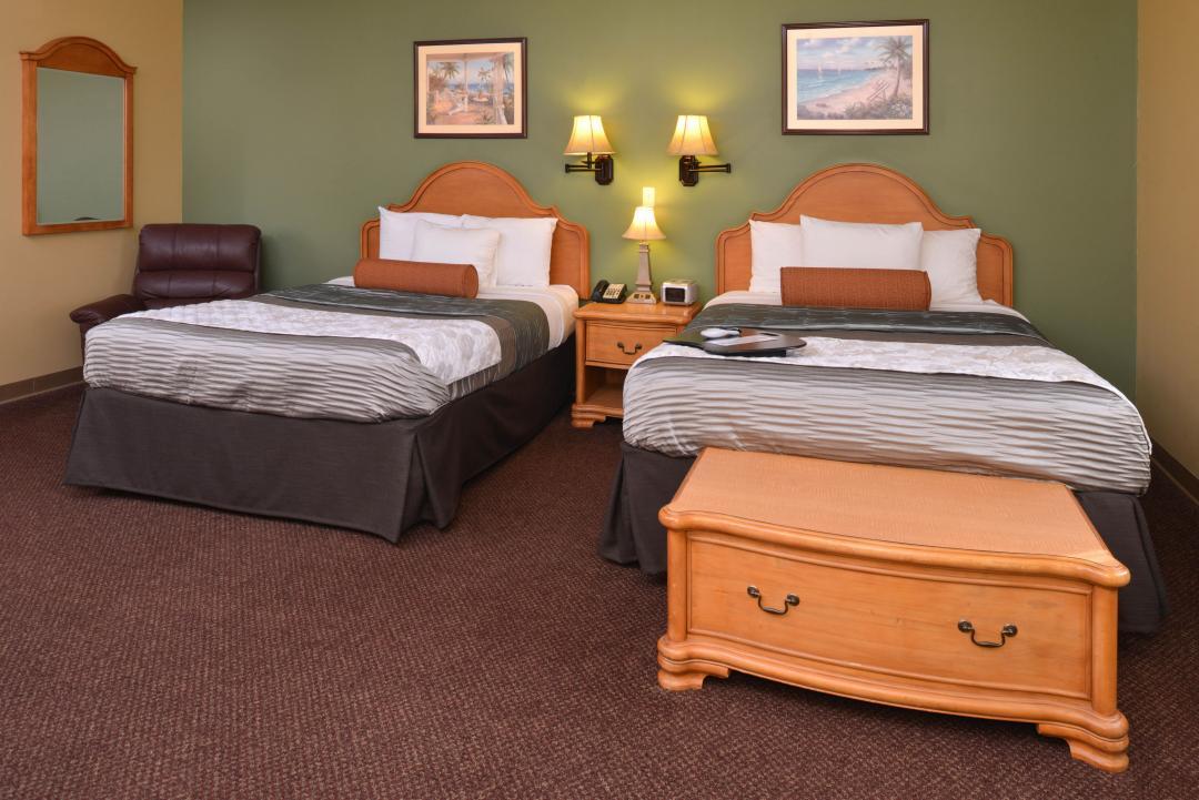 Two Queen Beds Guestroom with artwork