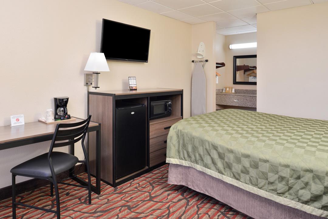 single bed gest room amenities
