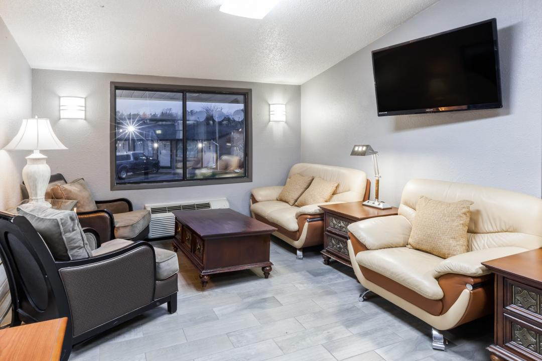 Lobby with spacious sofas and seating