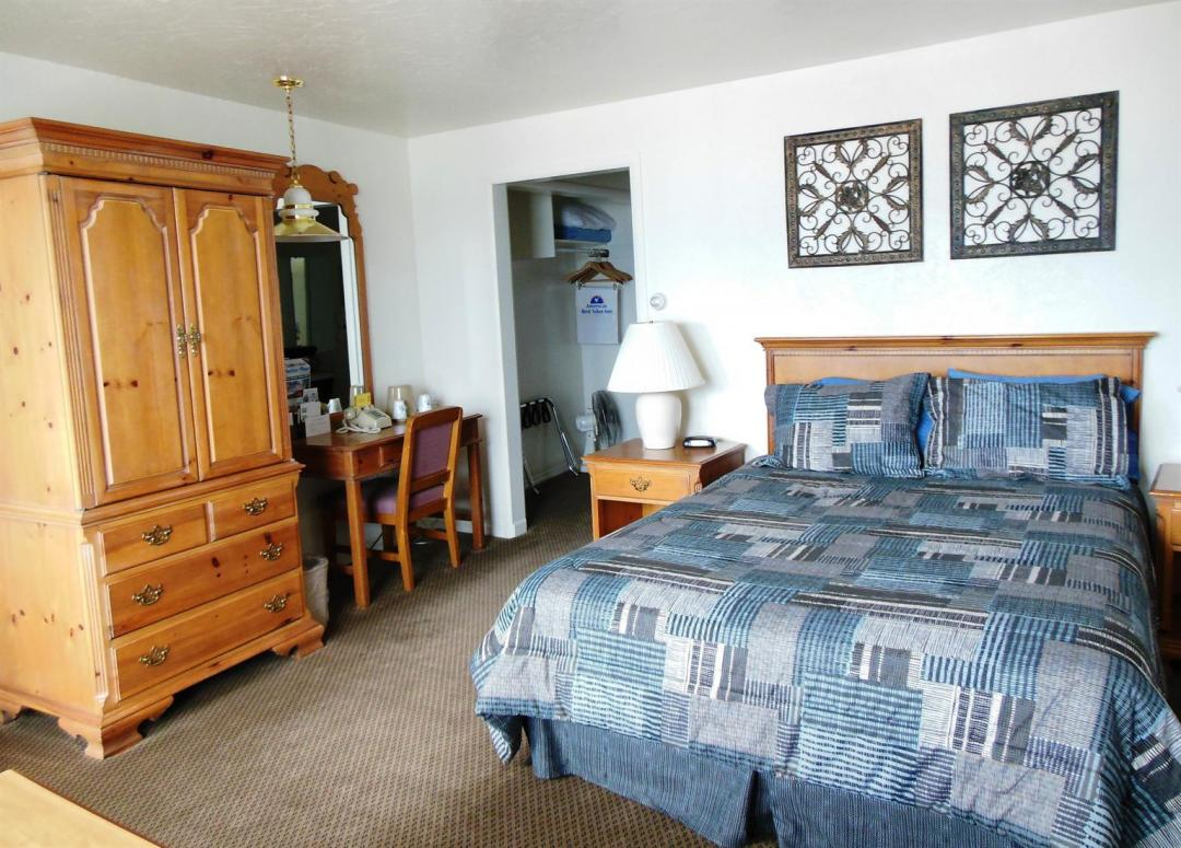 One Queen Bed Guest Room