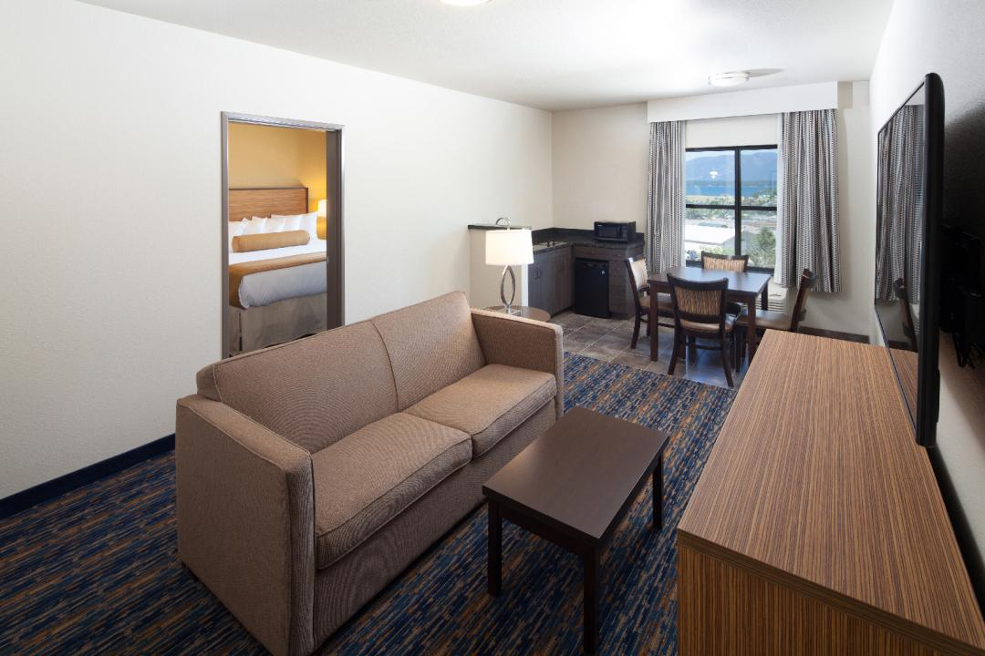 King Suite with Separate Living Space and Kitchenette