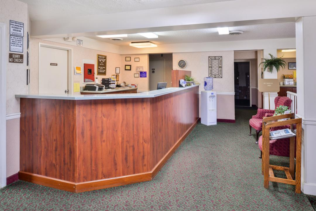 Front desk and lobby seating area