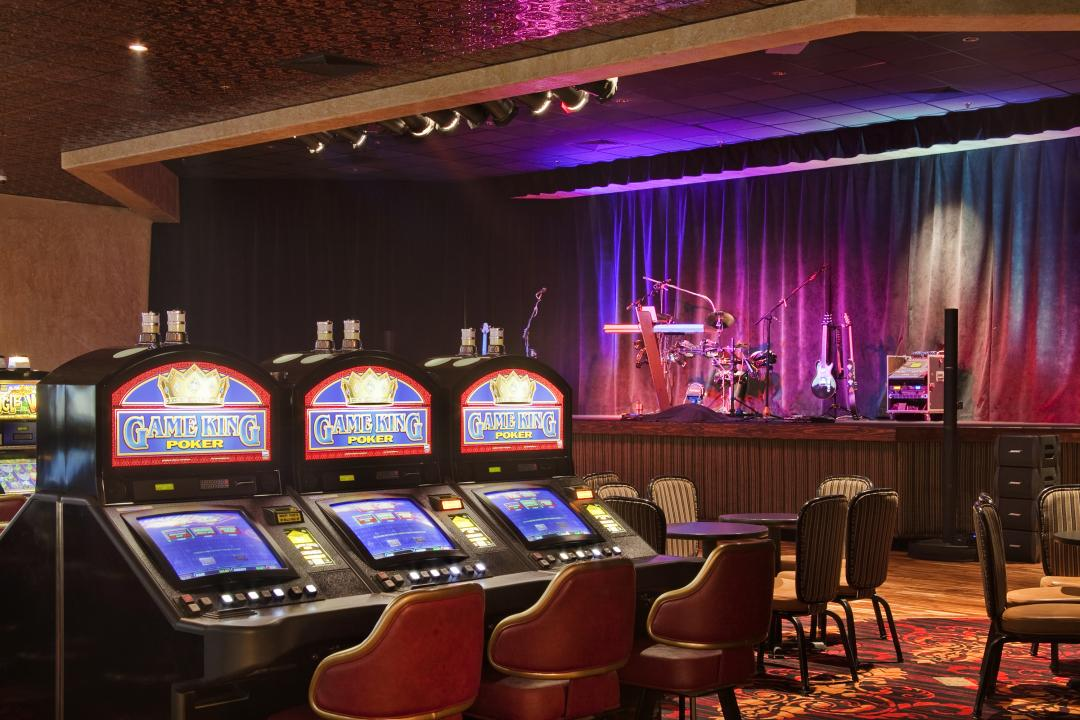Poker Games with Stage