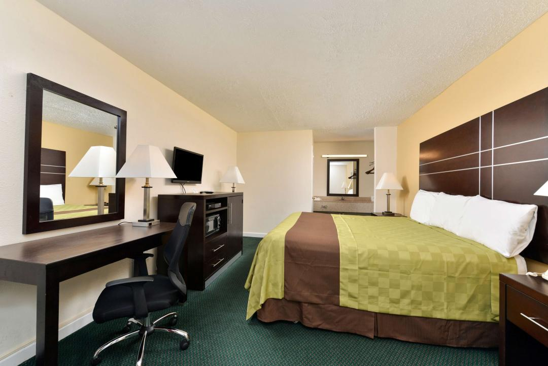 Amenities At Our Port Jefferson Station Hotel Rooms