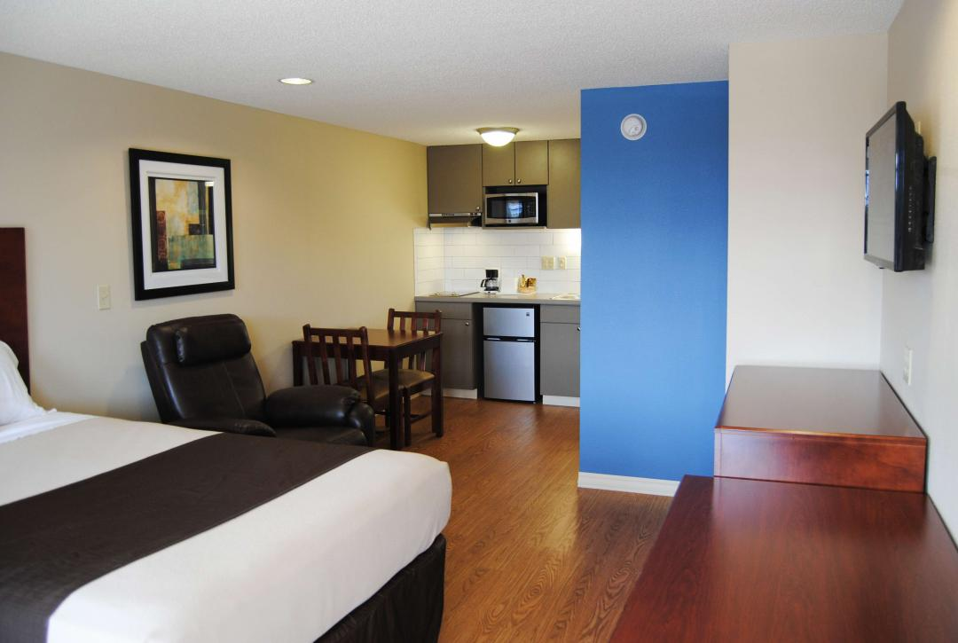 One Double Bed Kitchenette