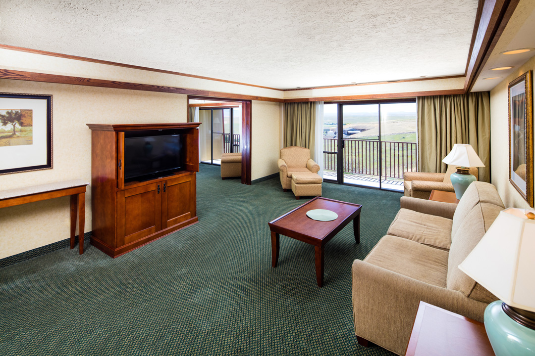 Suite with Sofa and living room