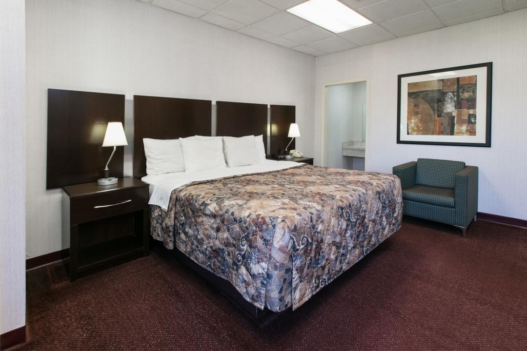 Guest Room with Guest Room