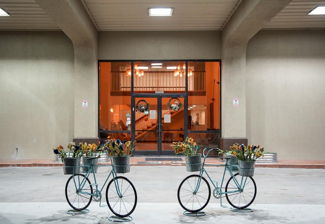 Exterior Entrance to Hotel