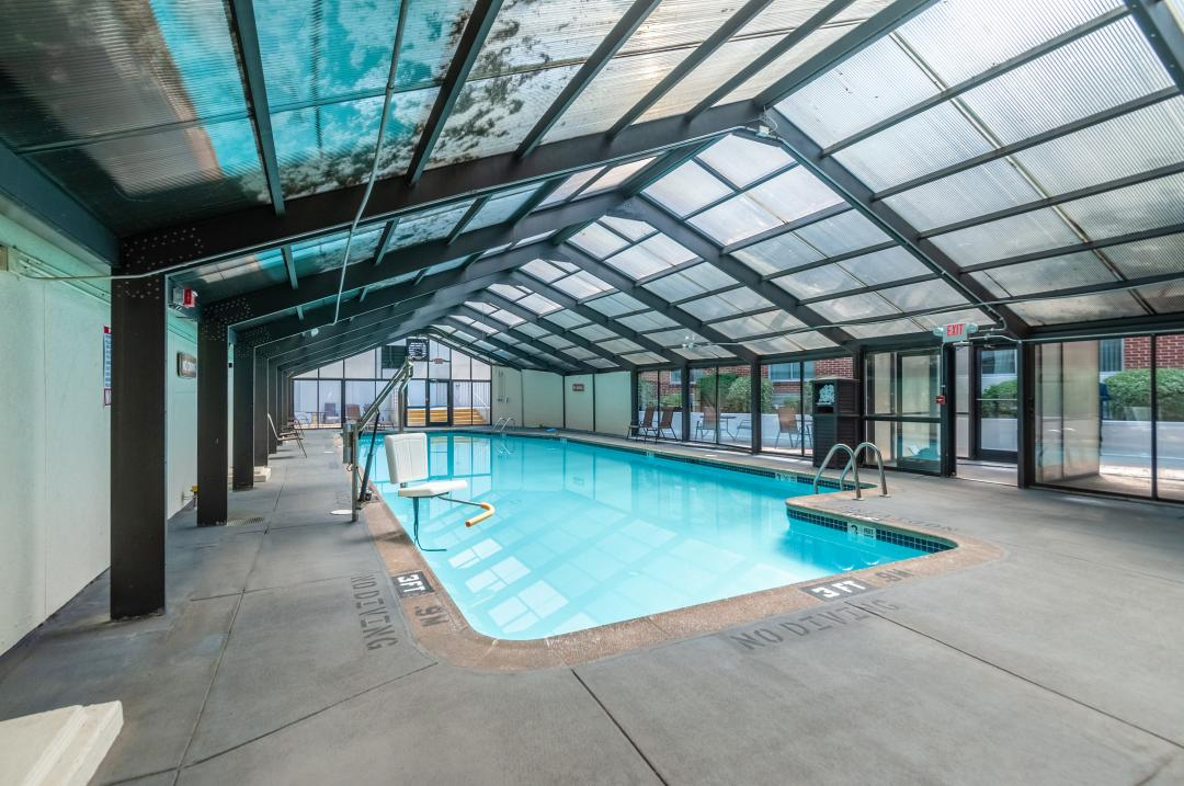 Arlington Hotel Features
