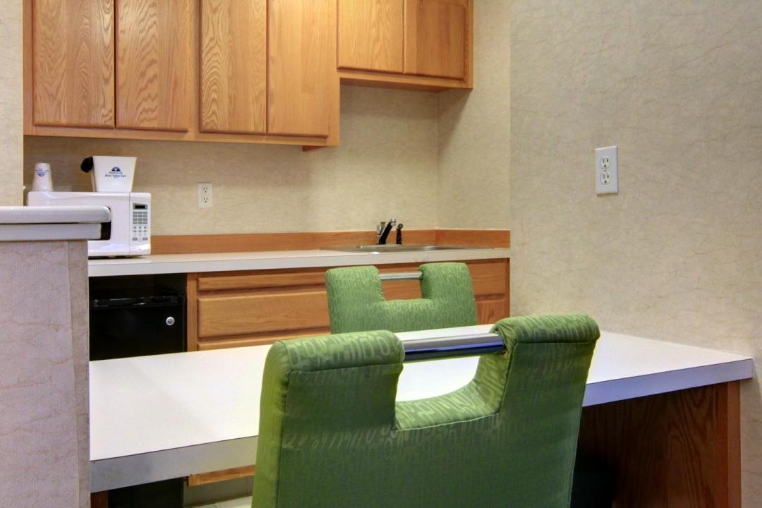 Jetted Tub Suite Kitchen Amenities