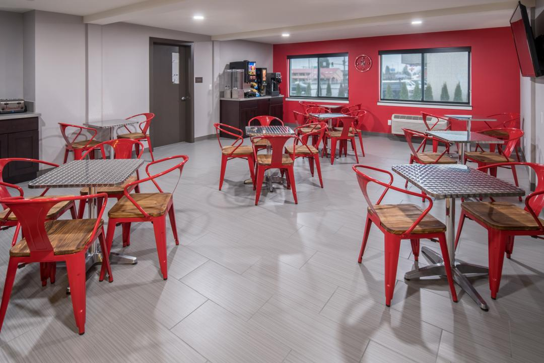 Modern breakfast and dining area