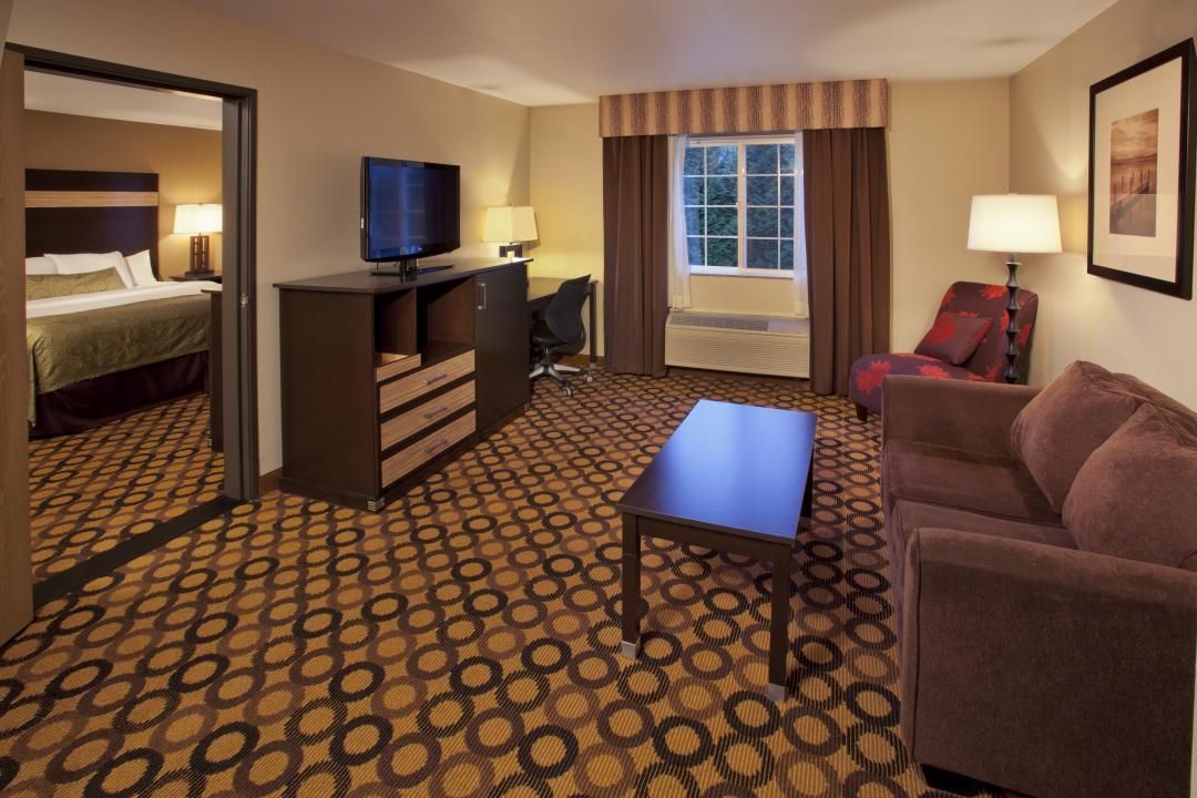Guest Suite at Red Lion Inn & Suites Kent