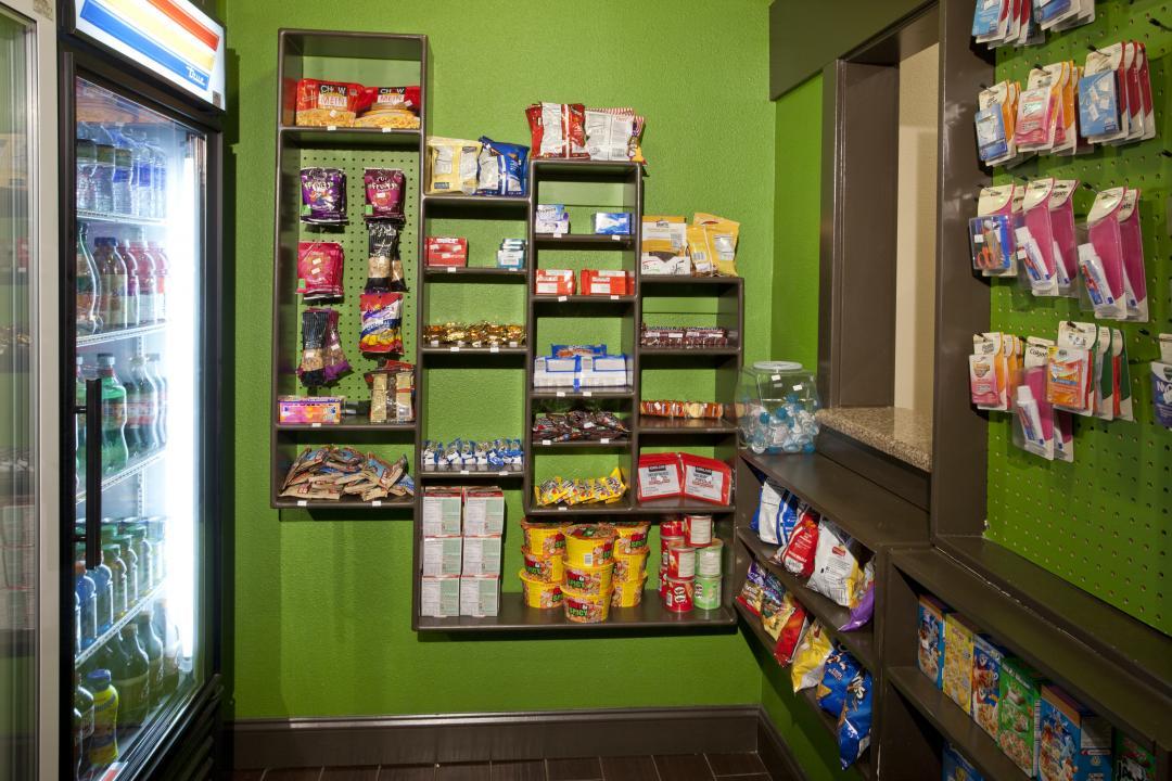 Grab N Go Cafe at Red Lion Inn & Suites Kent