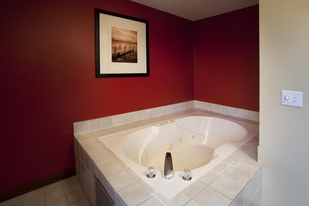 Jetted Tub at Red Lion Inn & Suites Kent