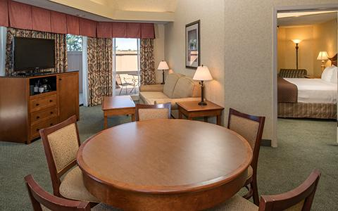 Presidential Suite with table and chairs
