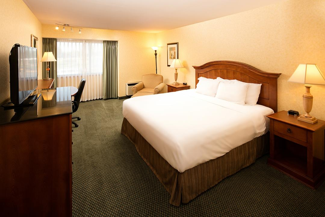 Wenatchee King Room