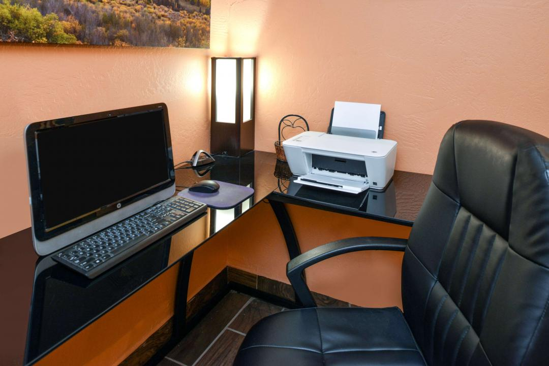 Business Center with Printer